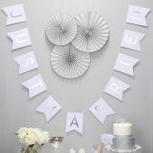Flaggbanner Just Married Silver Perfection, 2 m